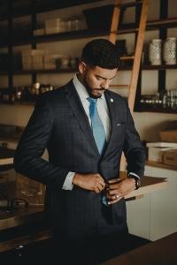 feiner Stoff, Krawattenstreifen, Farbkontraste - charismatisch